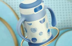 宝宝感受春天生机正当时,babycare保驾护航!