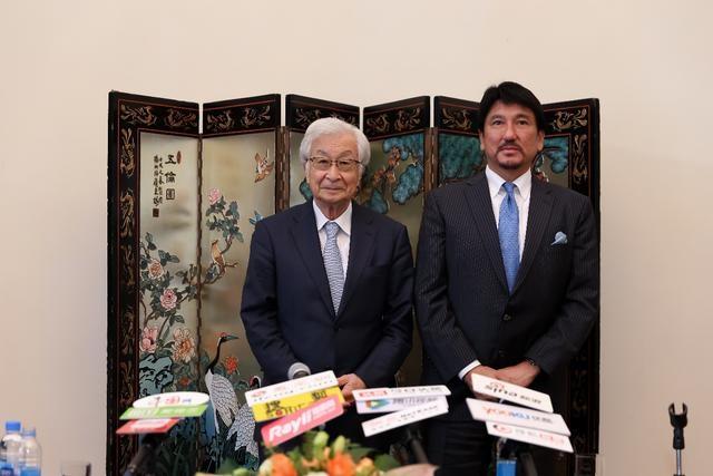 走进日本美容外科权威盐谷信幸教授和亚洲微整先驱古山登隆