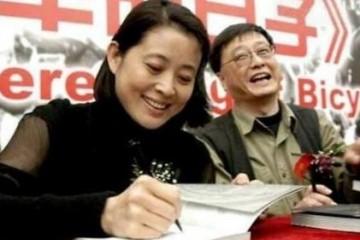 倪萍前夫近照曝光66岁的他仍旧精力更是离婚14年独身未娶