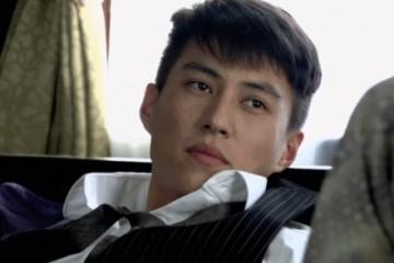 谁年轻时还不是校草靳东钱枫还好看到20岁雷喜报时刻真是猪饲料