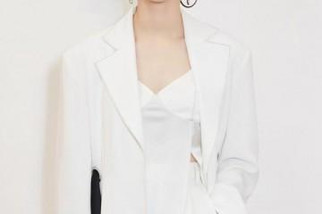 尚雯婕身穿白色西装化身蛮横总裁网友穿搭请坚持此水准